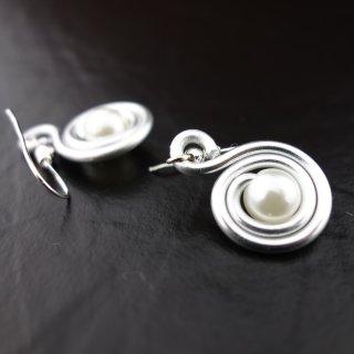 Ohrringe - Silberne Schnecke mit Perle