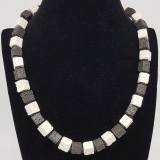 Kette - Lavawürfel schwarz-weiß